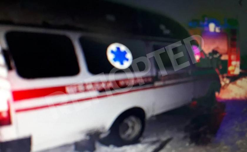 Криворожские спасатели помогли роженице, оказавшейся в снежном плену с медиками скорой