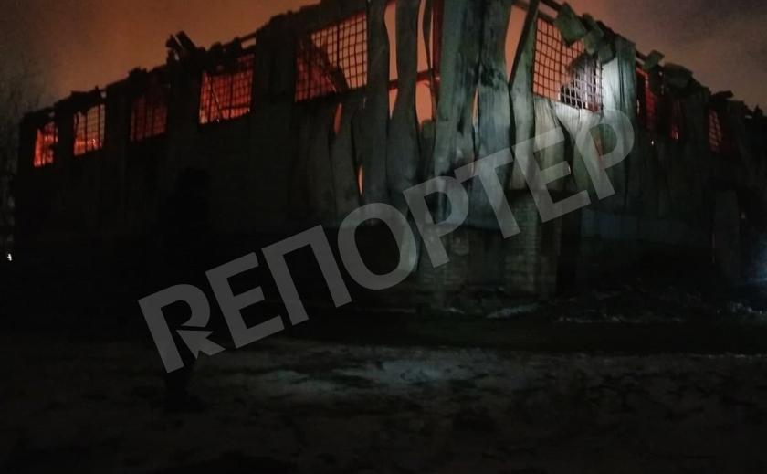 Ночной ад. В Кривом Роге тушили масштабный пожар