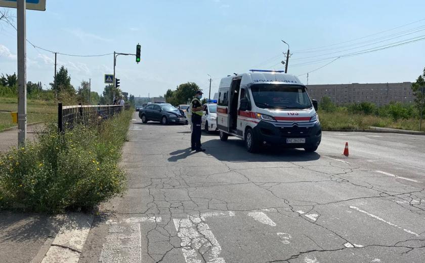В Кривом Роге пьяный водитель врезался в «скорую» и сбежал