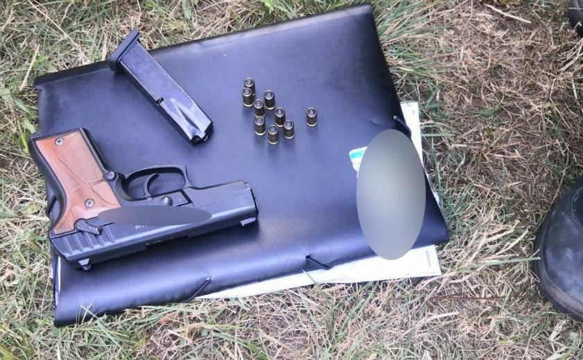 У «нервного» криворожанина обнаружили пистолет