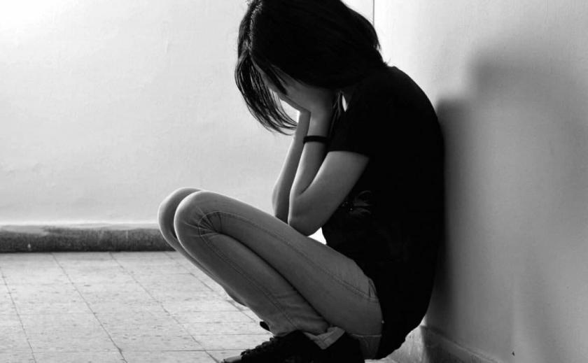 В Кривом Роге 17-летняя девушка покончила с собой