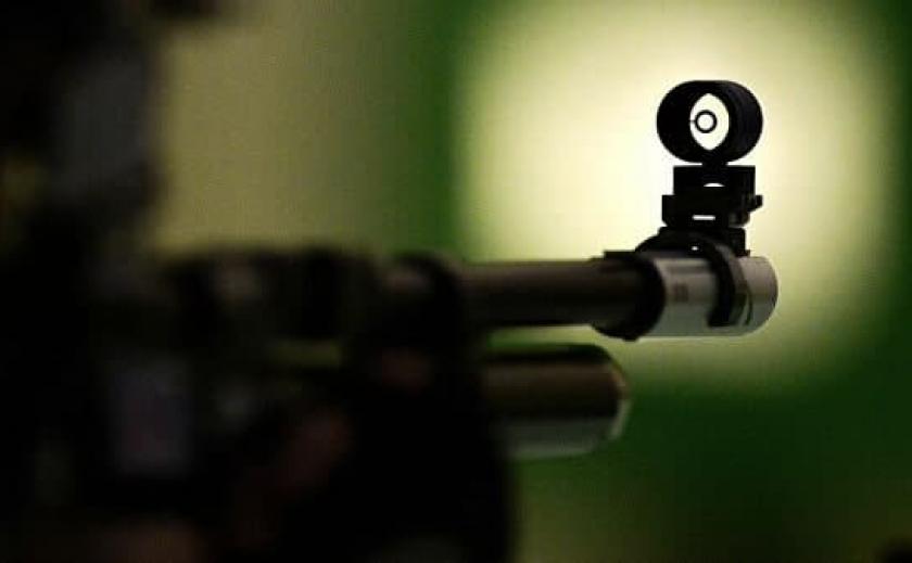 В Кривом Роге недовольный строительством мужчина подстрелил рабочего из винтовки