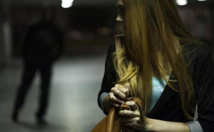 Избил и хотел сбежать: в Кривом Роге преступник напал на женщину