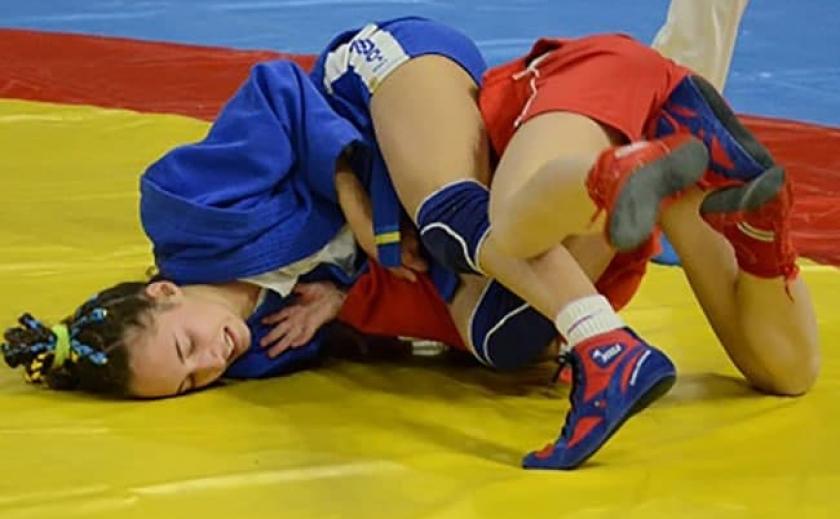 Самбисты из Днепропетровской области и Запорожья взяли 5 медалей на Чемпионате мира
