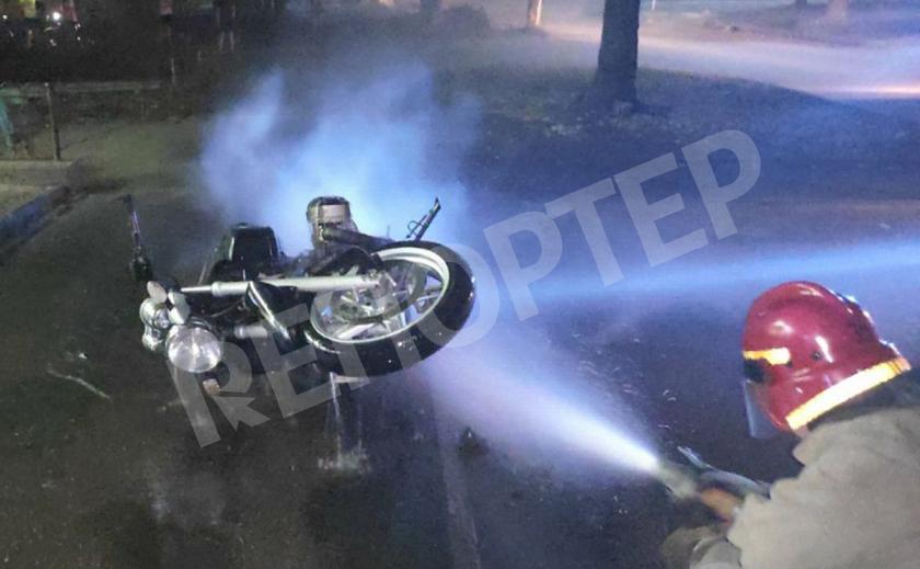 В Желтых Водах на ул. Казацкой Славы за 4 минуты сгорел BMW